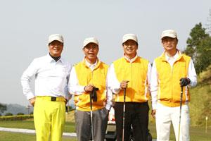 中国企业家高尔夫球队南北挑