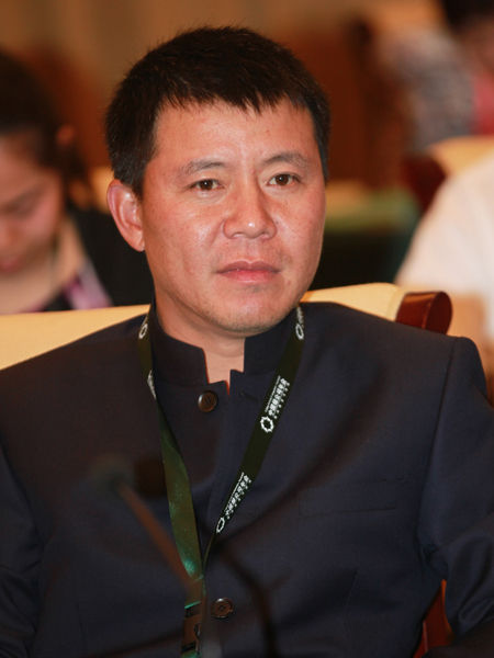 """""""2014绿公司年会""""于4月20日-22日在广西南宁举行。上图为均瑶集团有限公司总裁王均豪。(图片来源:新浪财经 梁斌 摄)"""