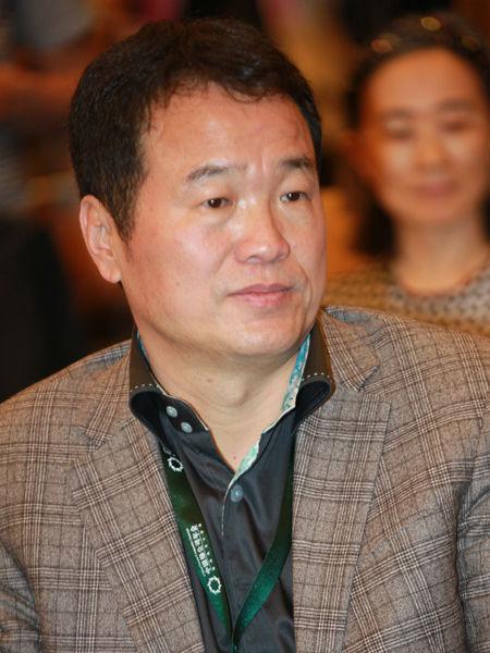 """""""2014绿公司年会""""于4月20日-22日在广西南宁举行。上图为中坤投资集团有限公司董事长黄怒波。(图片来源:新浪财经 梁斌 摄)"""