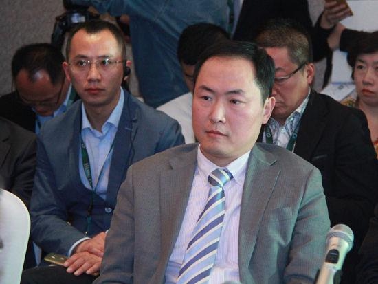 """""""2015中国绿公司年会""""于4月20日在沈阳举行。上图为北京大学光华管理学院管理实践教授蔡剑。(图片来源:新浪财经 刘海伟 摄)"""