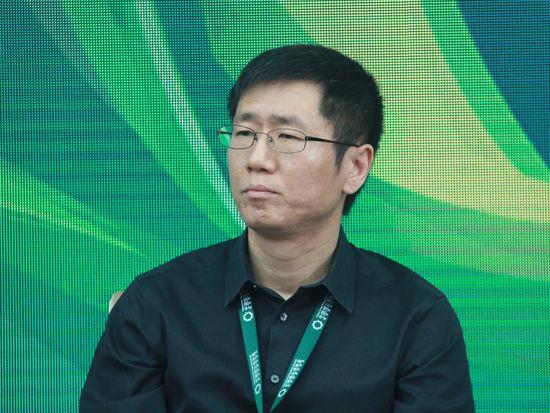 """""""2015中国绿公司年会""""于4月20日-21日在沈阳举行。上图为小米科技联合创始人、副总裁刘德。(图片来源:新浪财经 刘海伟 摄)"""